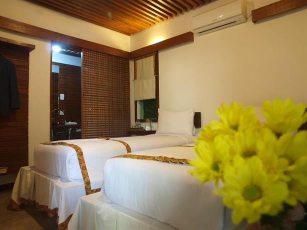 flores gallery hotel bandung compare deals rh hotelscombined com Hotel Di Bandung Bandung Shopping