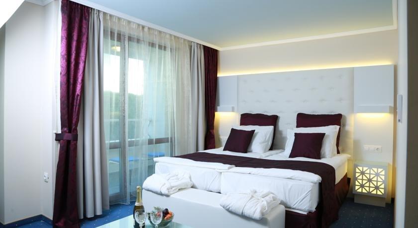 Royal Perla Hotel