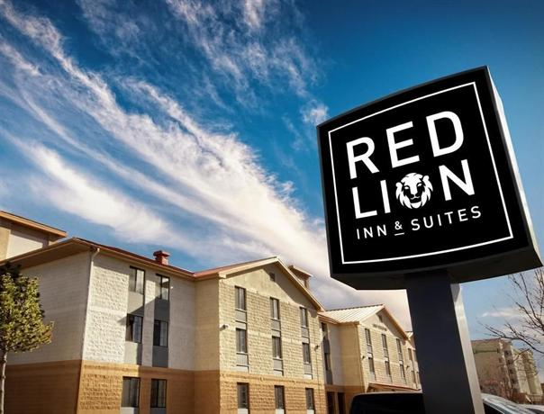 red lion inn suites denver airport compare deals. Black Bedroom Furniture Sets. Home Design Ideas