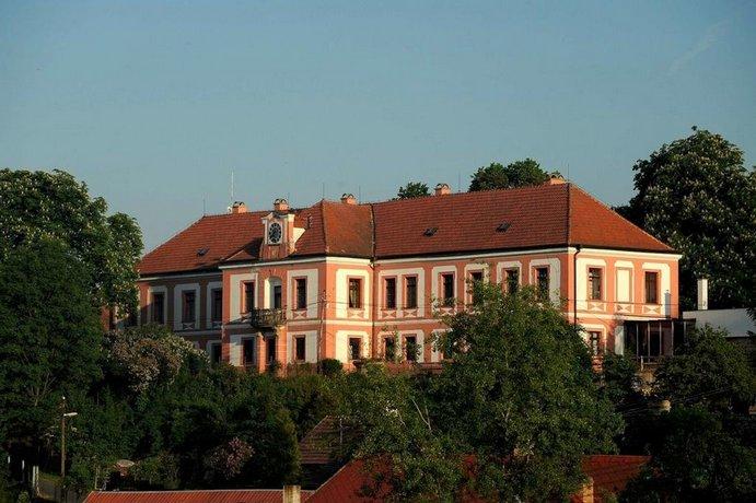 Zamek Lobec