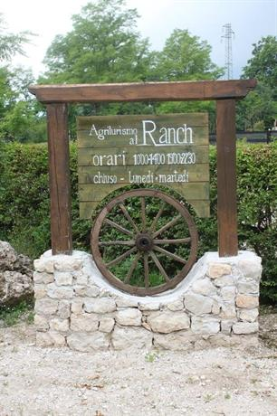 Agriturismo al ranch budoia compare deals for Ranch occidentale