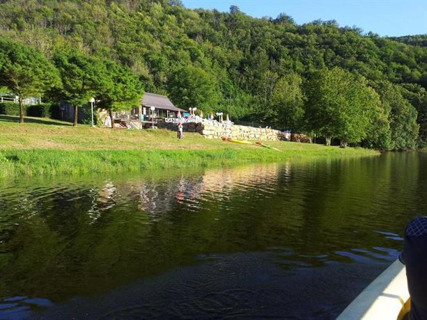 Camping du lac gagnac sur cere compare deals for Camping lac du bourget piscine