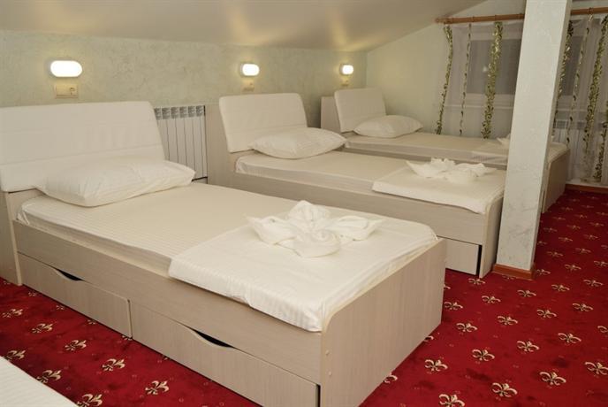 Hostel SarHaus