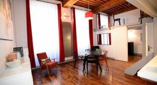 Appart 39 canut lyon compare deals for Appart hotel rosas