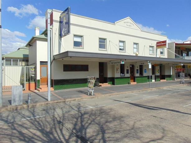 Walshs Hotel
