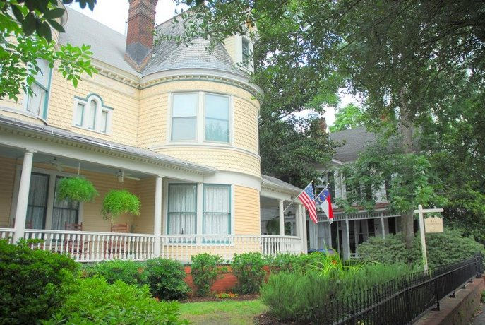C W Worth House Bed and Breakfast
