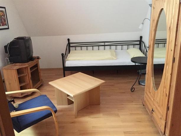 jugend hotel nuremberg compare deals. Black Bedroom Furniture Sets. Home Design Ideas