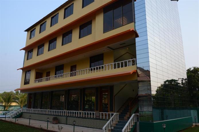 Hotel Kuber Palace Mahad