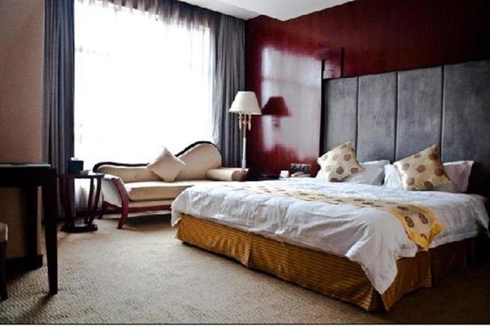 Wuhan Luyi 100 Hotel