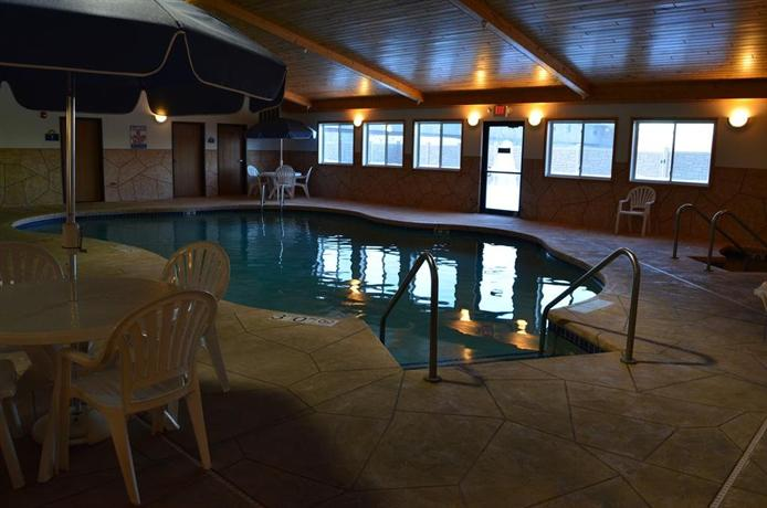 About Amerivu Inn And Suites Rice Lake