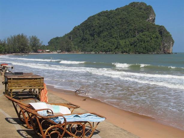 Bang Boet Bay Beach Resort  Pathio