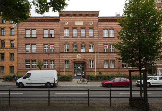 pension guesthouse berlin berl n encuentra el mejor precio. Black Bedroom Furniture Sets. Home Design Ideas
