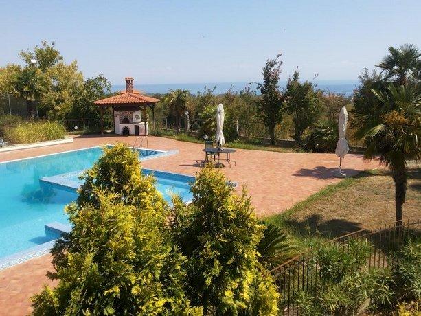 Villa Anna Pieria