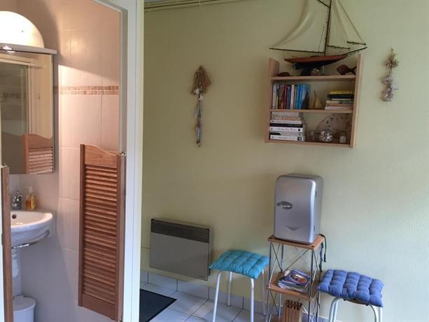 chambre double bord de mer arcachon compare deals. Black Bedroom Furniture Sets. Home Design Ideas