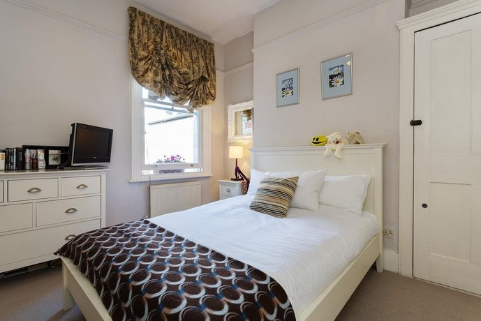 Veeve 3 Bed House On Stapleton Road Wandsworth