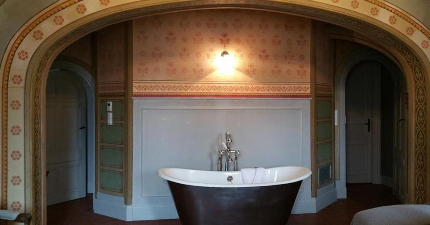 chateau saint pierre de serjac magalas compare deals. Black Bedroom Furniture Sets. Home Design Ideas