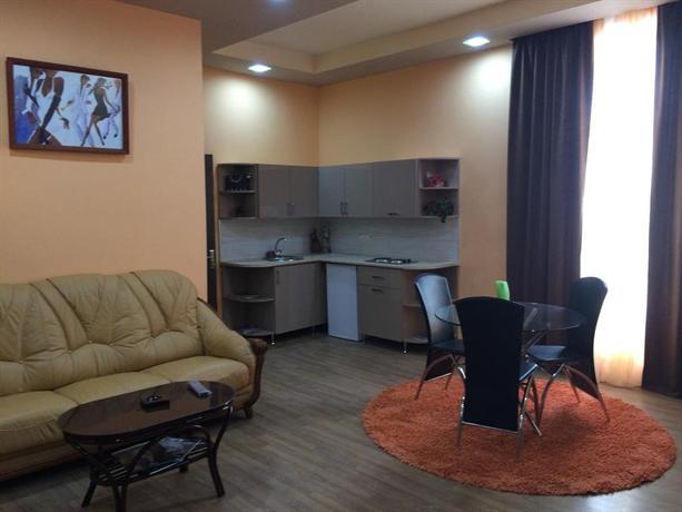 Aparthotel arshakunyants yerevan confronta le offerte for Appart hotel yerevan