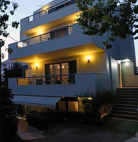 Garden Villa Vari