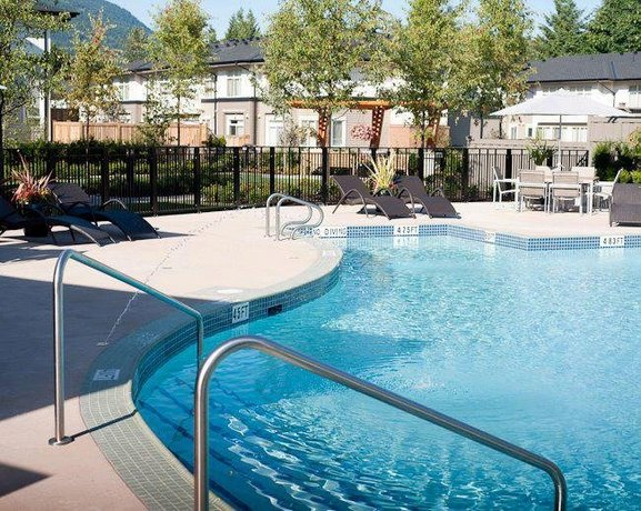 Gorgeous Large New 2 Bed 2 Bath Condo