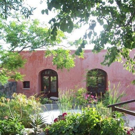 La Casa Dei Fiori Pantelleria