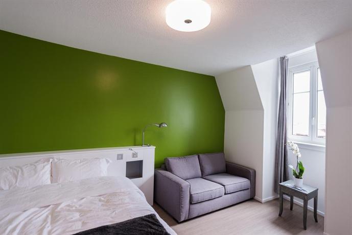 hotel les poteaux carres saint etienne compare deals. Black Bedroom Furniture Sets. Home Design Ideas