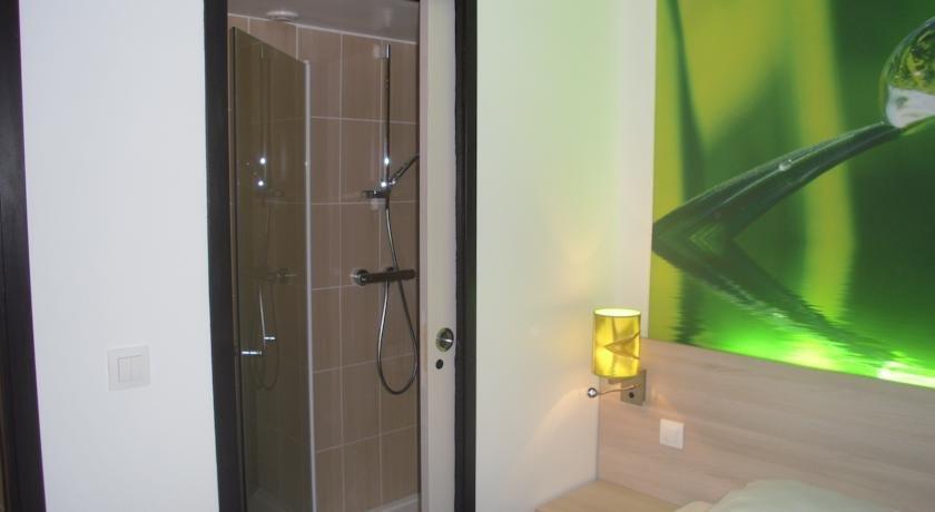 h tel bonsai tape vitrolles comparez les offres. Black Bedroom Furniture Sets. Home Design Ideas