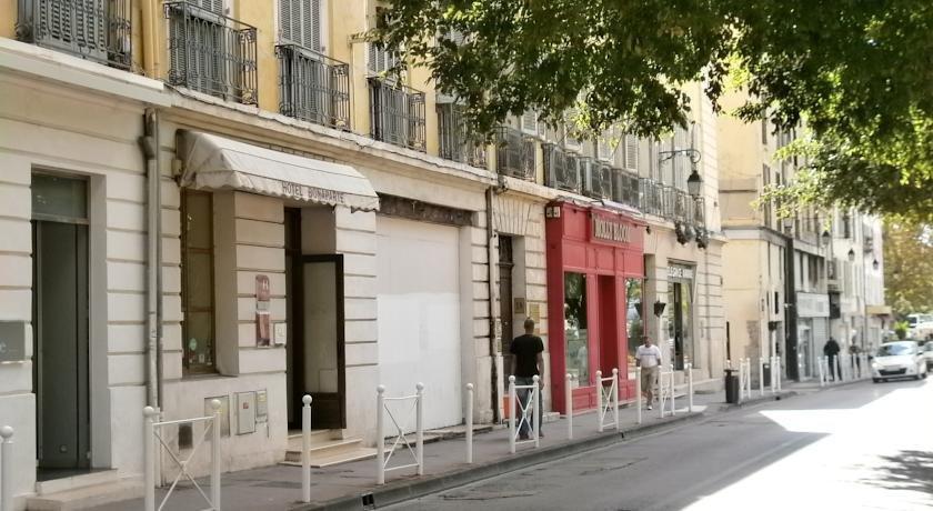 Hotel bonaparte toulon compare deals for Hotels toulon