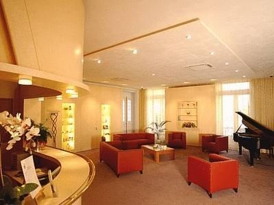 grand hotel des bains salins les bains compare deals. Black Bedroom Furniture Sets. Home Design Ideas