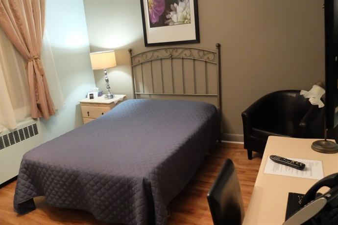 Auberge maison roy hotel quebec city compare deals for Auberge maison roy