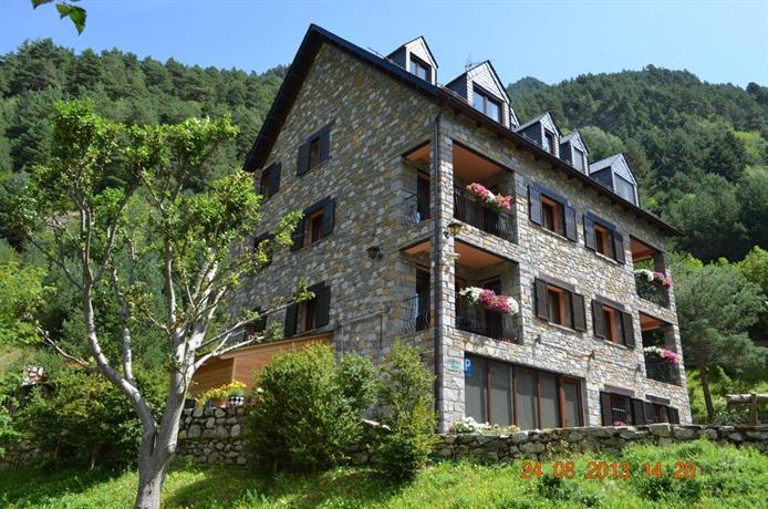 La peguera apartments vall de boi compare deals - Apartamentos boi taull resort ...