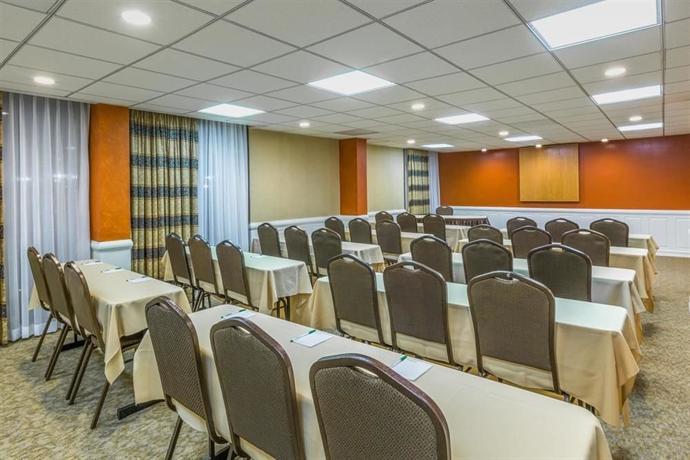 Wyndham Garden Hotel Newark Airport Compare Deals