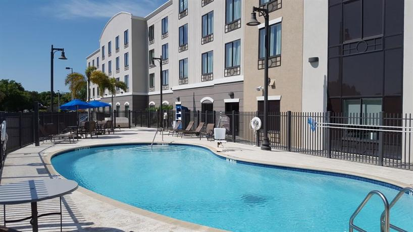 Holiday Inn Express Suites Tampa Usf Busch Gardens Compare Deals