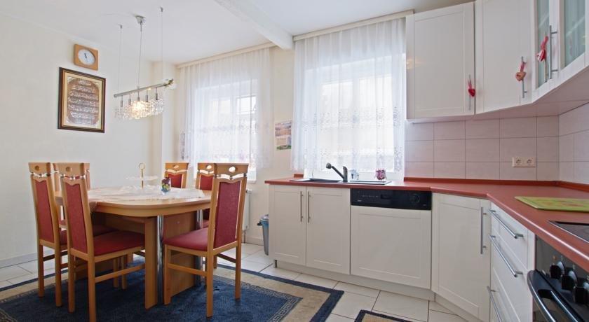 private room in city sarstedt room agency hannover. Black Bedroom Furniture Sets. Home Design Ideas