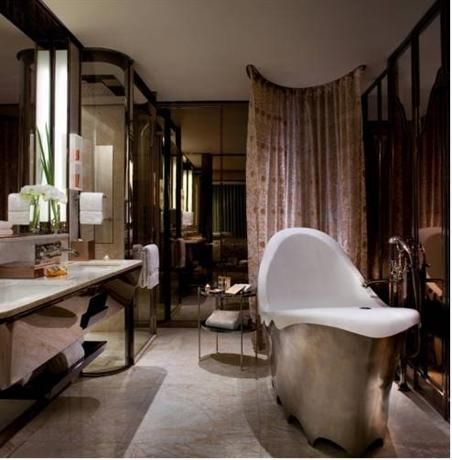 The ritz carlton shanghai pudong compare deals for Art hotel design