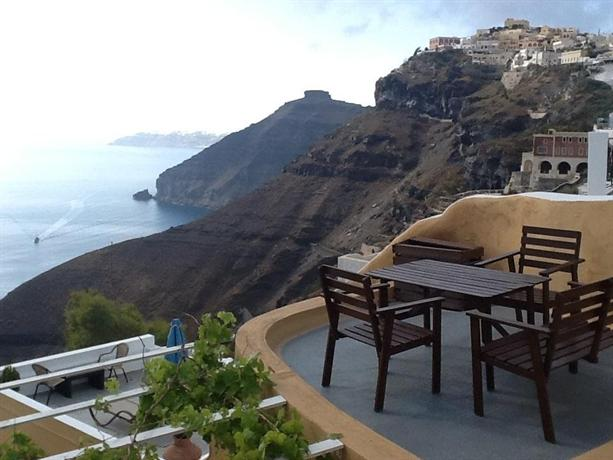 antithesis apartments santorini Antithesis apartments (adults only) - antithesis is situated in the heart of fira in 5 minutes walking distance from archaeological museum fira the hotel is around 10 minutes on foot from the city center.