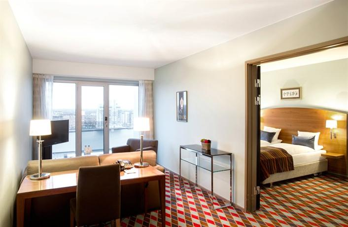 tivoli hotel copenhagen hotels copenhague. Black Bedroom Furniture Sets. Home Design Ideas