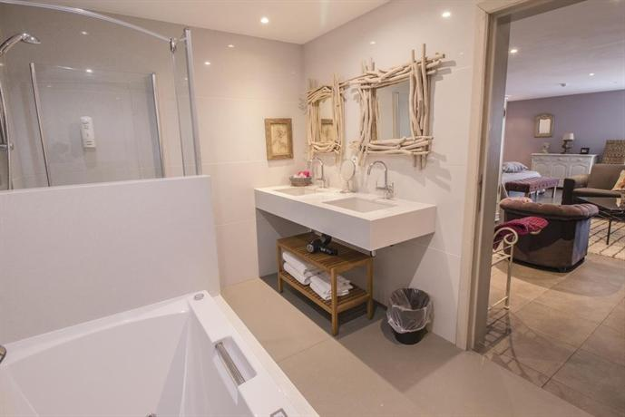 la malle poste rochefort compare deals. Black Bedroom Furniture Sets. Home Design Ideas