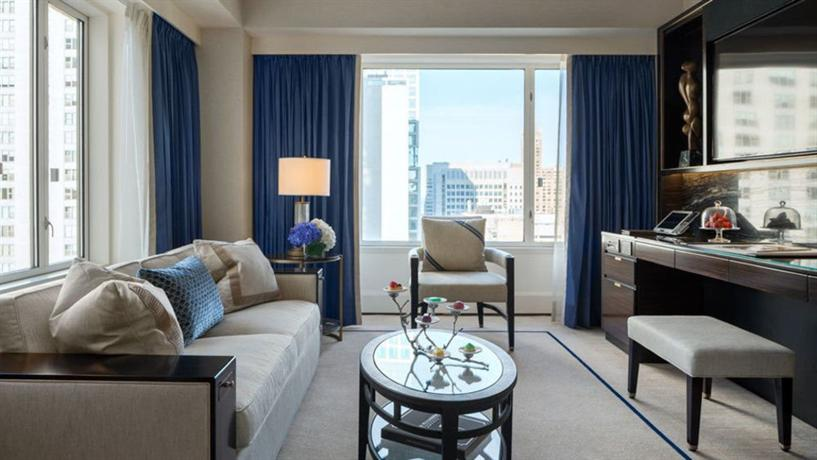 The peninsula chicago compare deals for Top luxury hotels in chicago