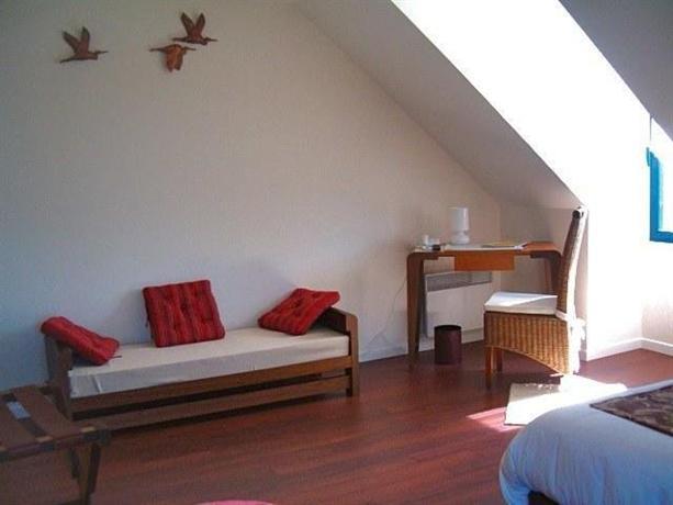 hotel le chevalier gambette saint armel offerte in corso. Black Bedroom Furniture Sets. Home Design Ideas