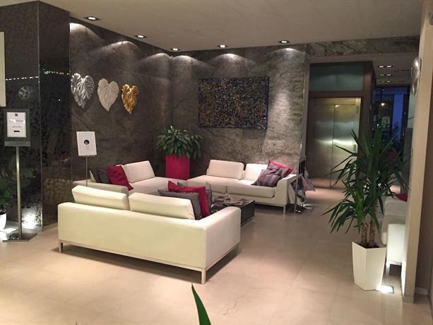 4 viale masini hotel design bologna compare deals for Hotel design bologna