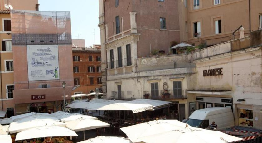 Boutique hotel campo de 39 fiori rome compare deals for Boutique rome