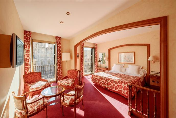 Hotel colon barcelona barcellona offerte in corso for Offerte hotel barcellona