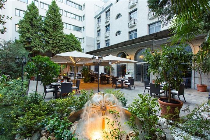 Jardin de recoletos madrid compare deals for Jardin recoletos