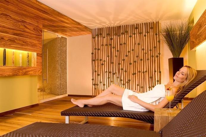 hotel sackmann baiersbronn compare deals. Black Bedroom Furniture Sets. Home Design Ideas