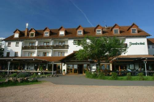 Hotels In Losheim Am See