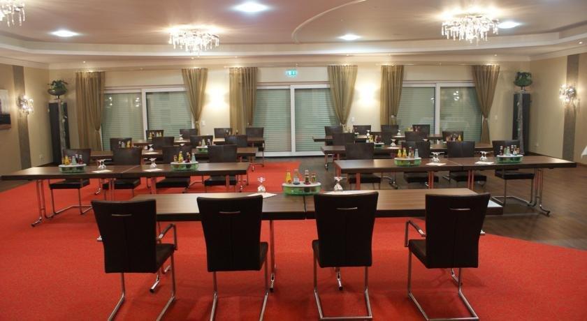 Hotels In Losheim Am See