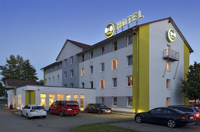 Bed breakfast hotel freiburg im breisgau compare deals for Designhotel freiburg