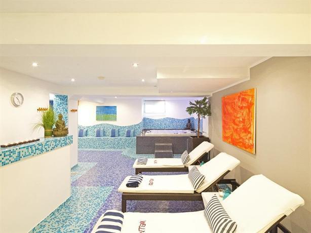 hotel heddernheimer hof frankfurt am main compare deals. Black Bedroom Furniture Sets. Home Design Ideas