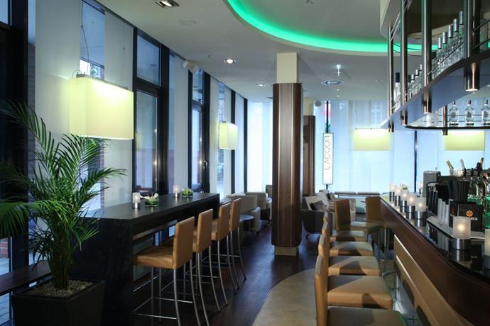 lindner hotel am michel hamburg compare deals. Black Bedroom Furniture Sets. Home Design Ideas