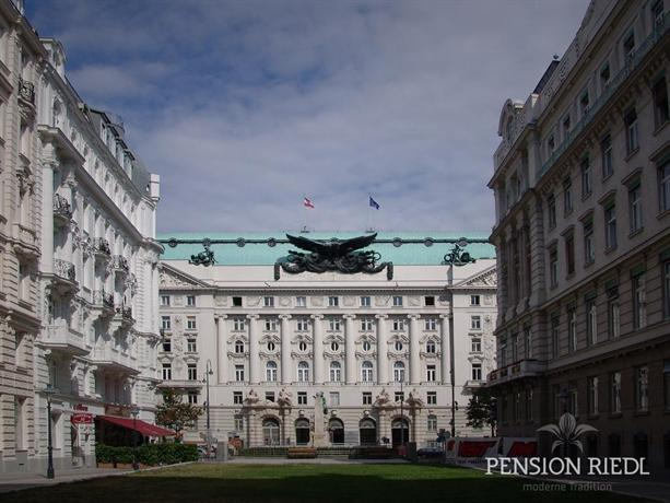 Riedl pension vienna hotels vienne for Hotels vienne